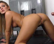 Porno fitness – personal trainer gets fucked