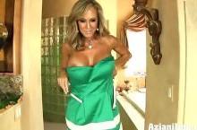 Nude fitness model Brandi Love shows off her hardbody