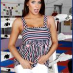 Stunning babe Rachel Roxx strips from shorts and bra on a boxing rink - Fitness porn