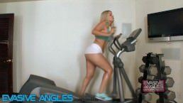 Workout Porn – PAWG Gets Her Pussy Wet At The Gym