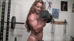 Woman buffness – Muscle girl naked workout