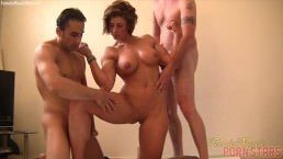 Fit MILF Gets Her Biceps Fucked – Muscle porn