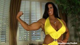 Muscle porn – Angela Salvagno muscle woman with big pussy lips and clit