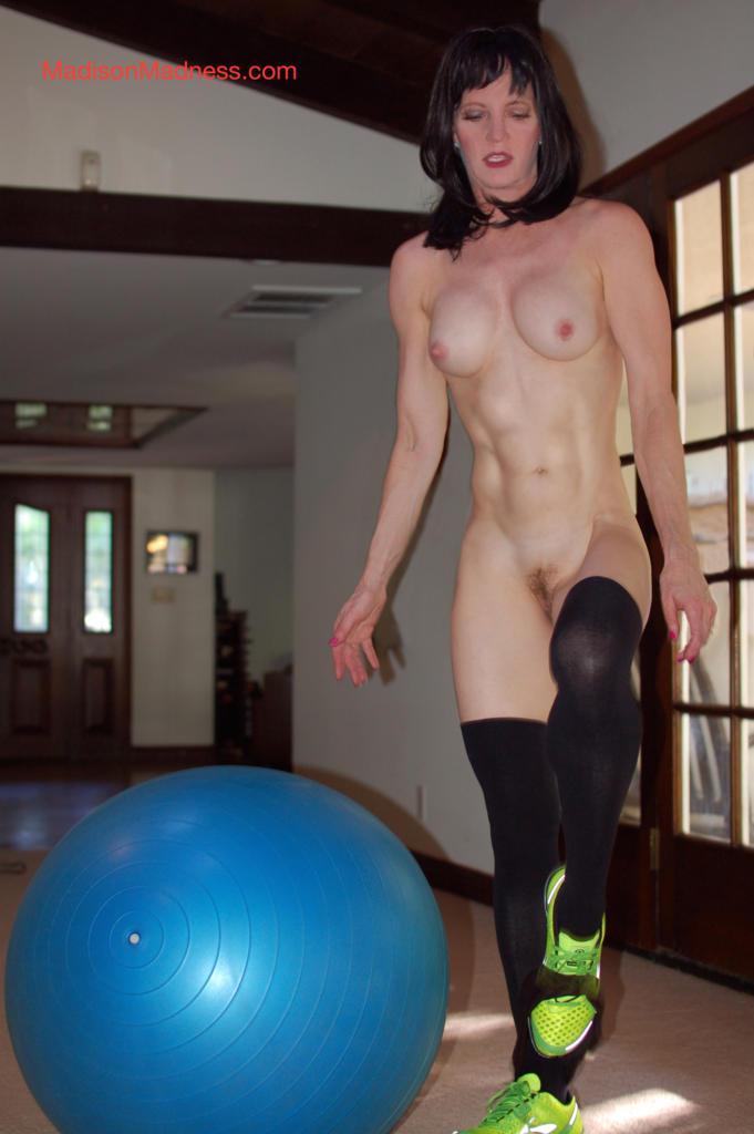 Madison-Madness-Naked-workout-3-681x1024.jpg