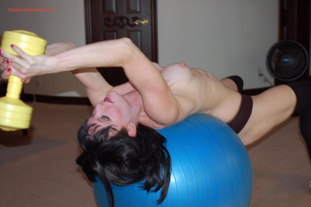 Madison-Madness-Naked-workout-7-1024x681.jpg