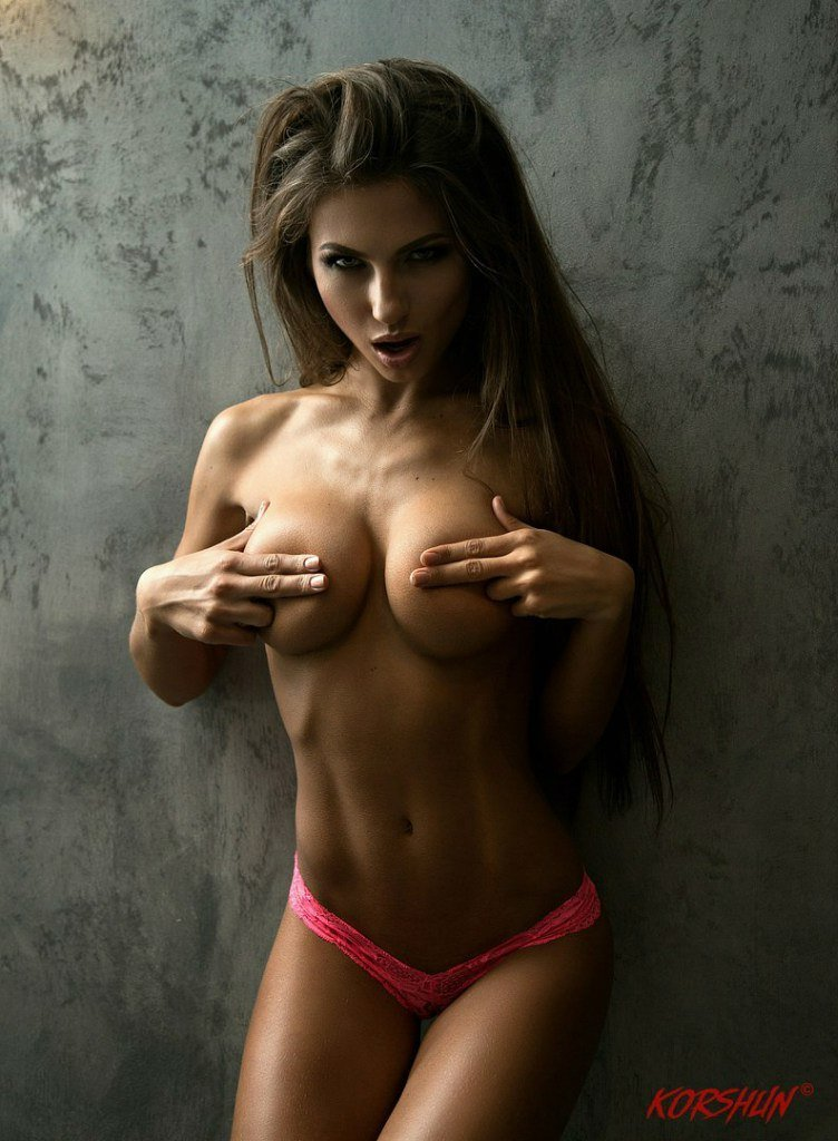 https://fitnakedgirls.com/wp-content/uploads/2017/10/FitNakedGirls.com-Daria-Shy-nude-17.jpg