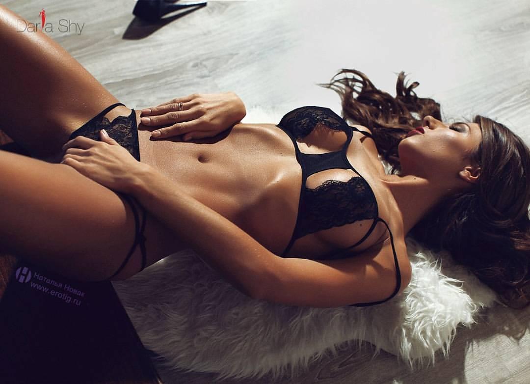 https://fitnakedgirls.com/wp-content/uploads/2017/10/FitNakedGirls.com-Daria-Shy-nude-29.jpg