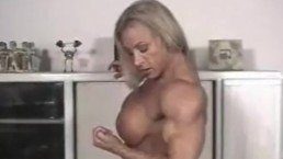 Huge Female Bodybuilder Flexing Dianne S.