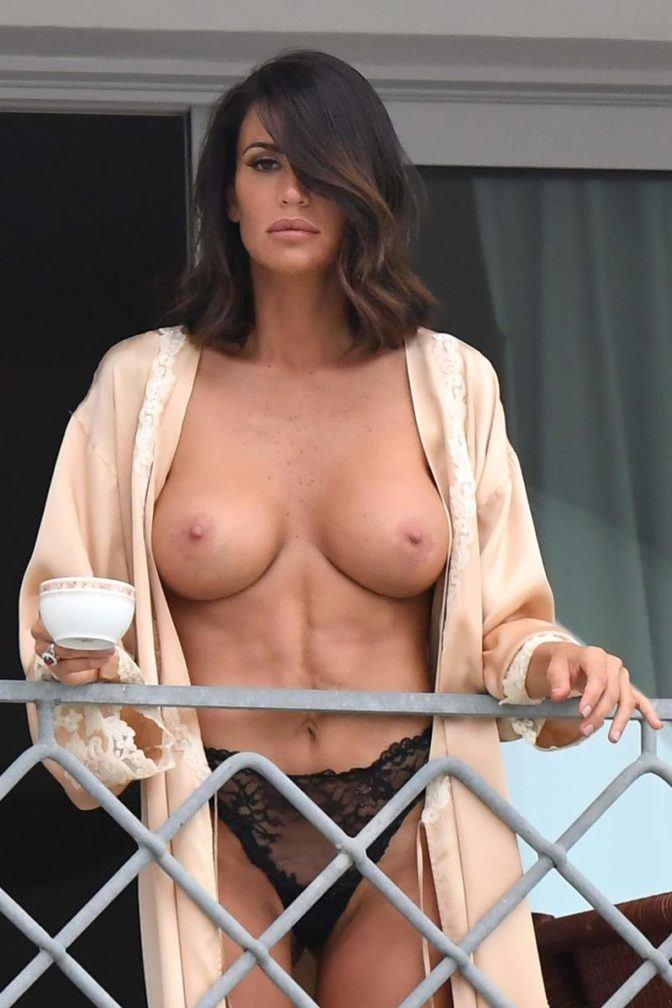 Naked claudia Claudia Schiffer,