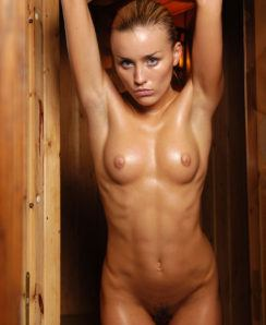 Liza Benson nude