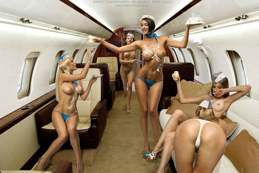 Naked female pilots photos 3