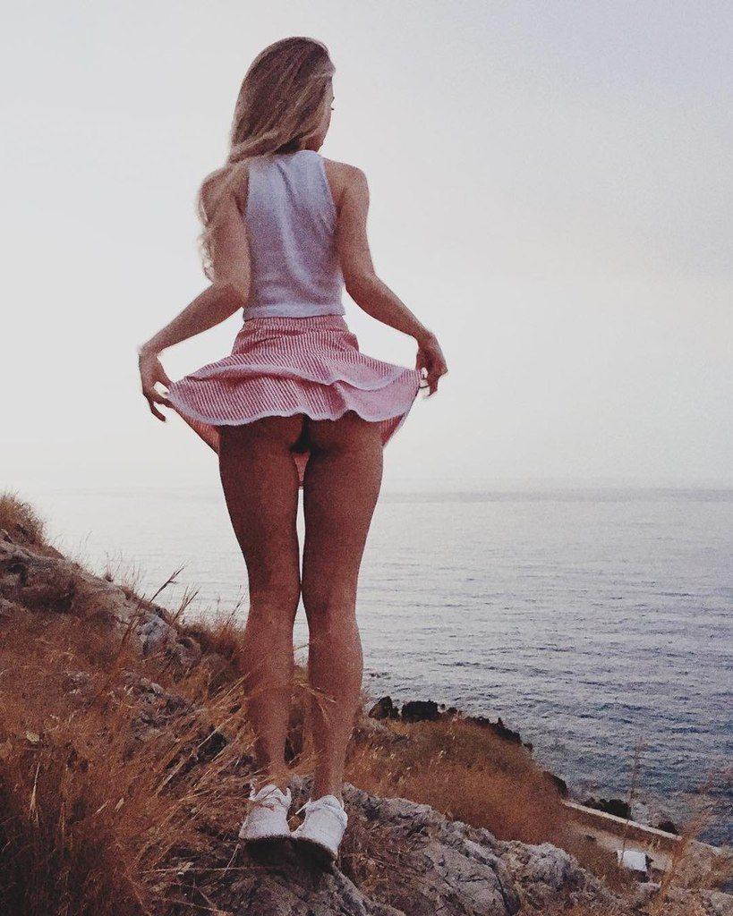 Anna Tsaralunga  nackt