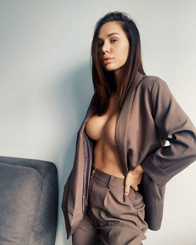 Jenny Hanna Nude