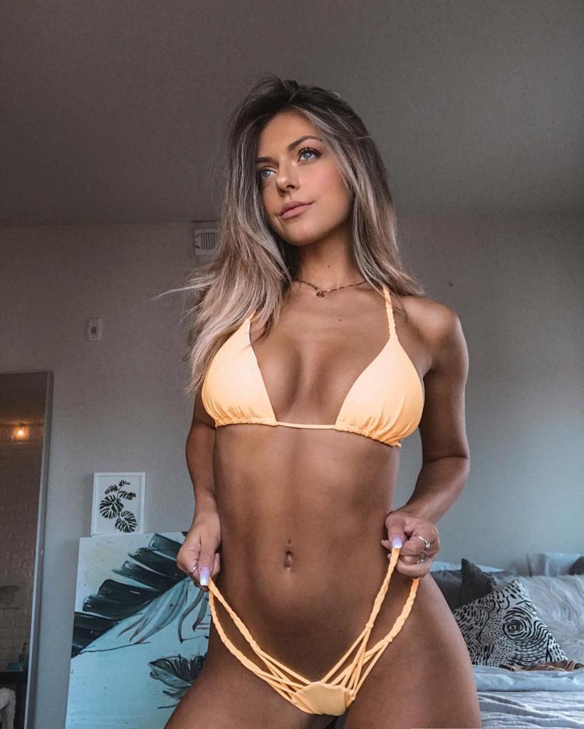 Lara McWhorter Fit & Sexy