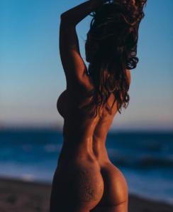 Tianna Gregory nude