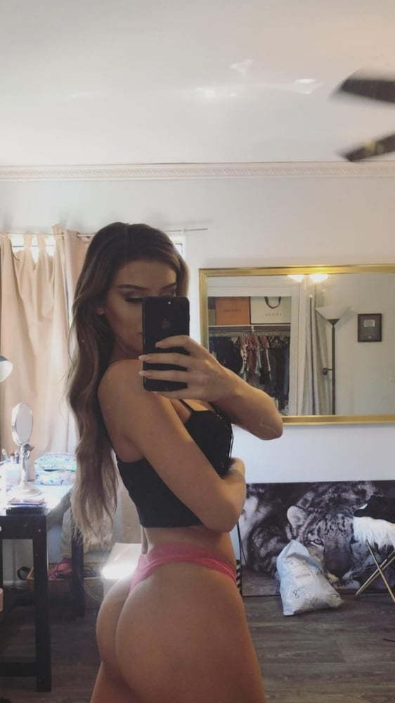 Molly Eskam Nude Leaked Videos and Naked Pics! 47