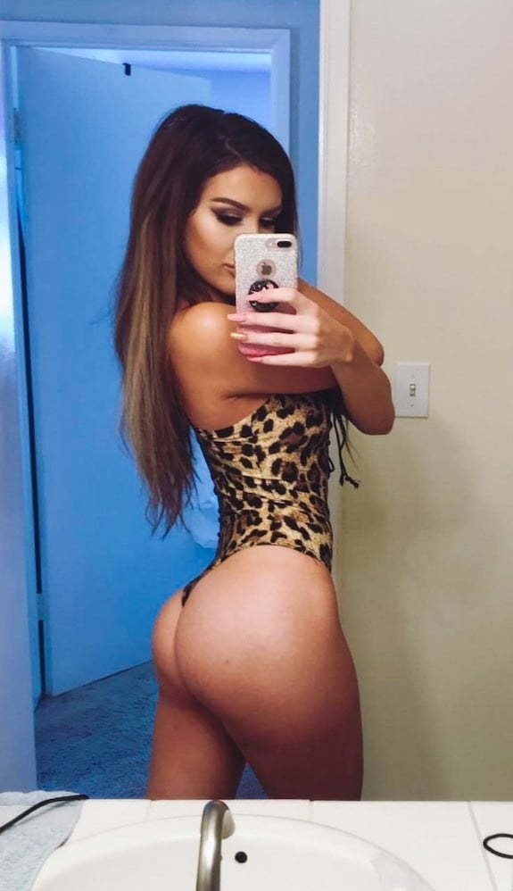 Molly Eskam Nude Leaked Videos and Naked Pics! 73