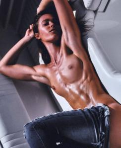 Valentina Lequeux nude