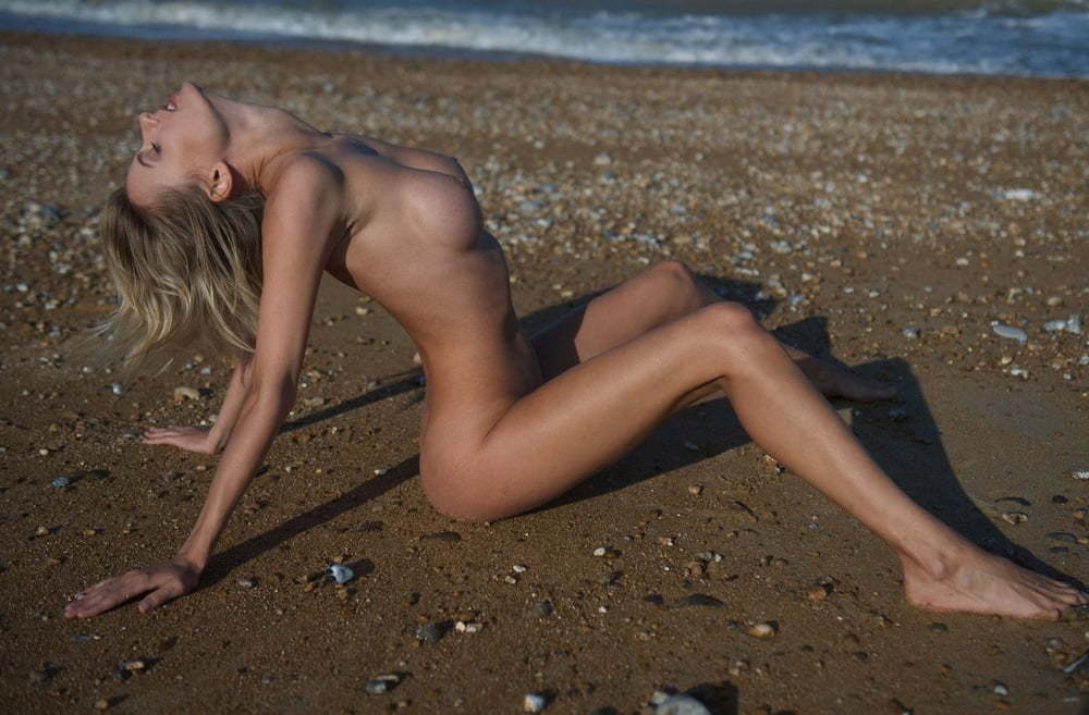 Olga de Mar  nackt