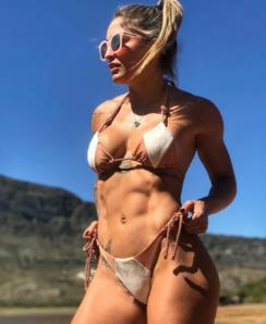 Roberta Mezencio nude