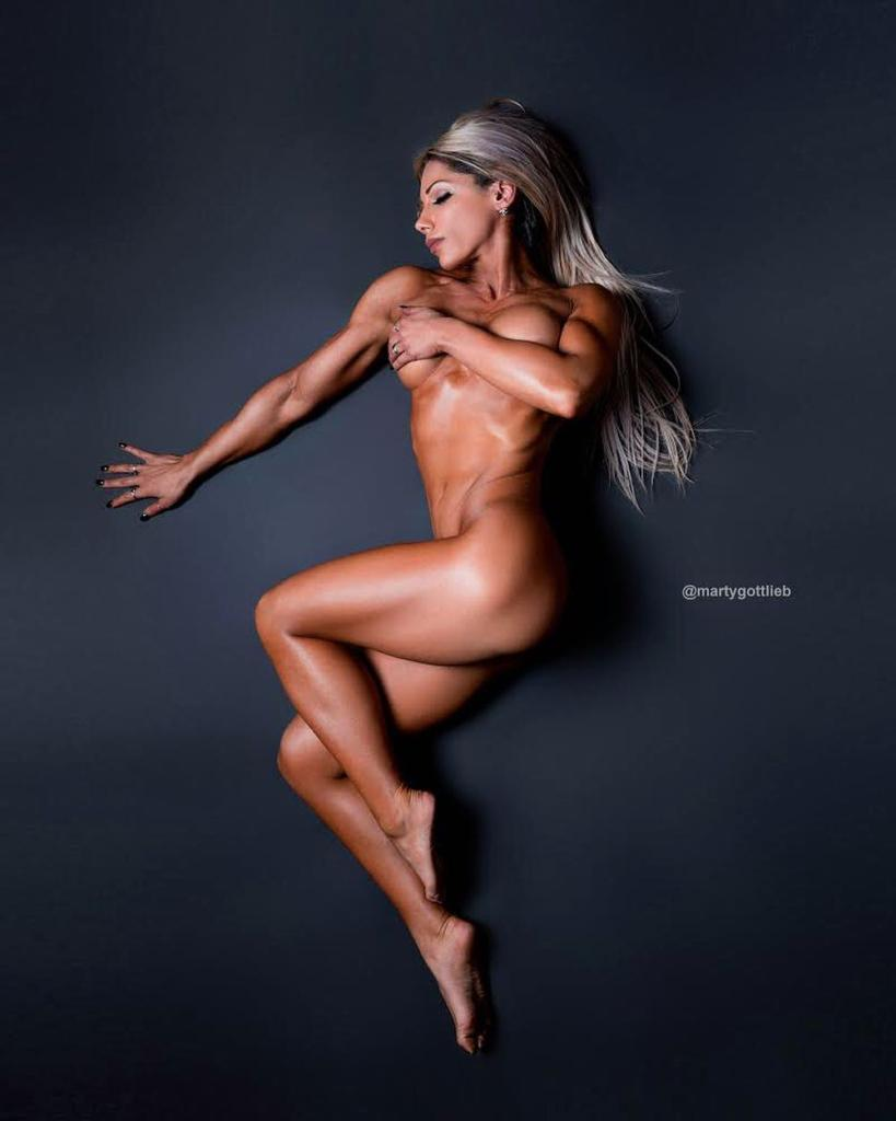 naked-fitness-competitors