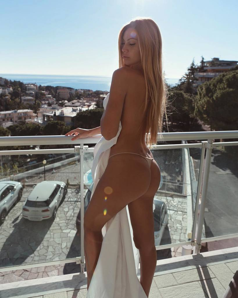 Images of hot sexy women with asses