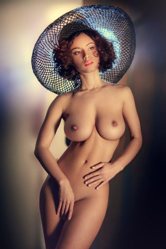 уже леди фото голые пробуют позы удобнее