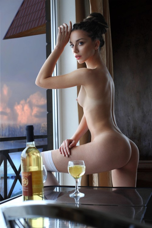 porn-wine-nudes-ass-girl-deepthroating