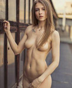 Anna Li nude