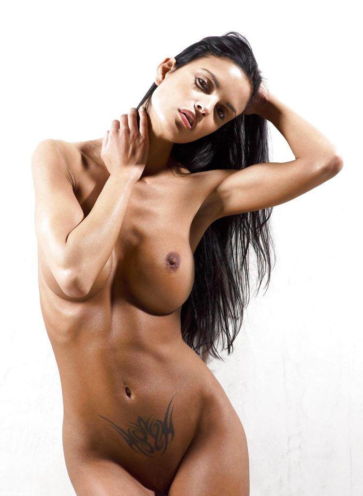 karel-seex-helena-hot-round-boobs