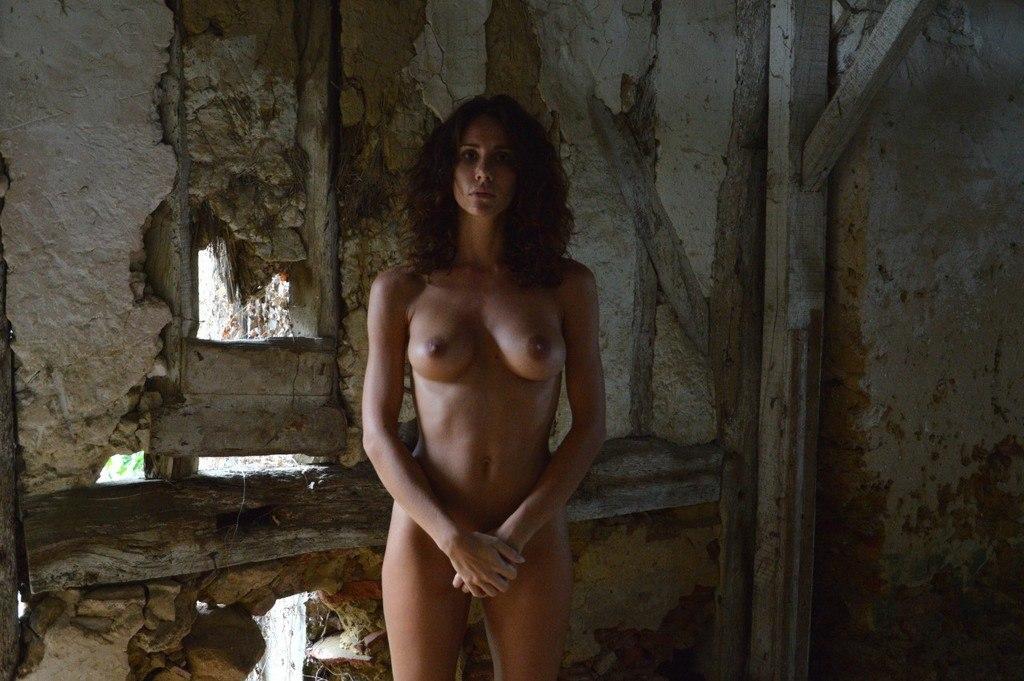Lorein  nackt Andja Normal Magazine