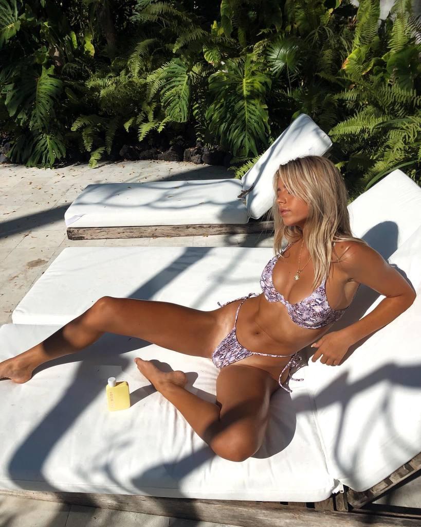 Kinsey Wolanski - Beautiful Big Breasts in Sexy Instagram