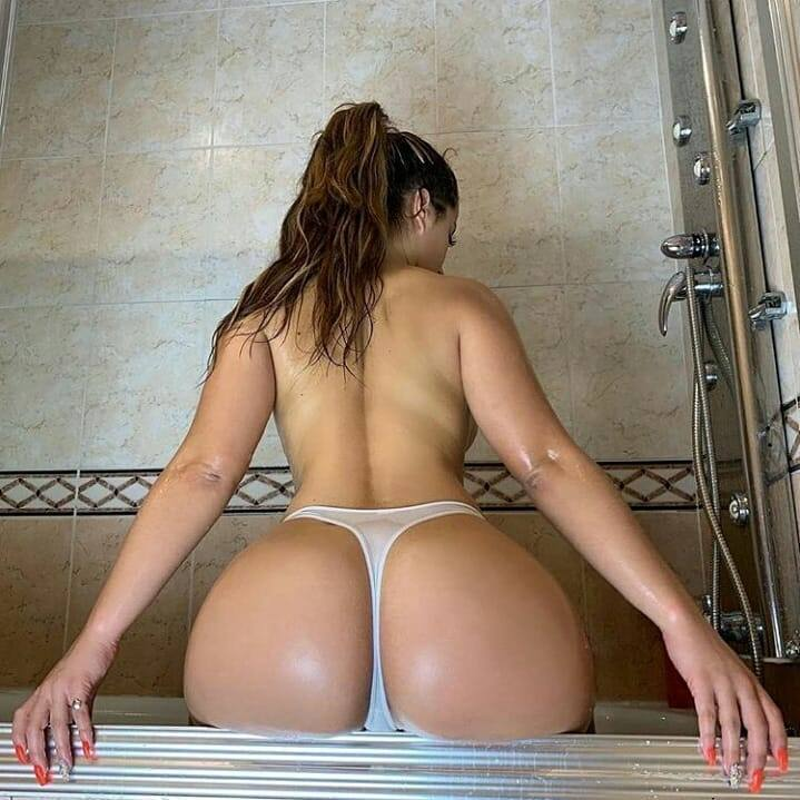 Melanie Shark Nude