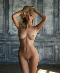 Anna Vladimirova nude
