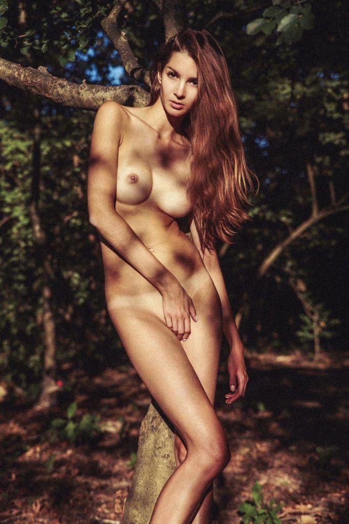 Naked Lina