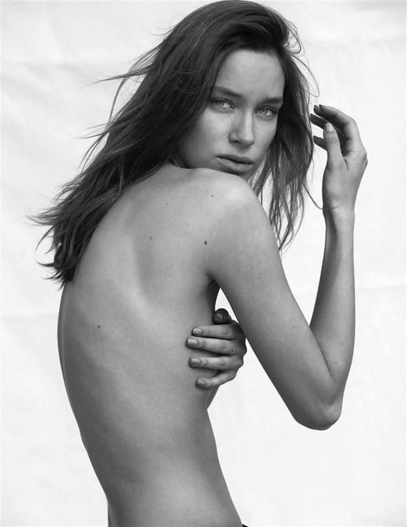 Brianna Mellon  nackt