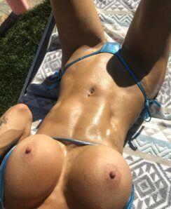 Sarah Jessie nude & fit