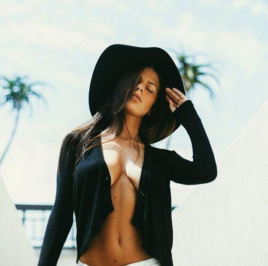 Brianna Stone  nackt