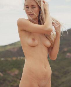 Hannah McKay nude