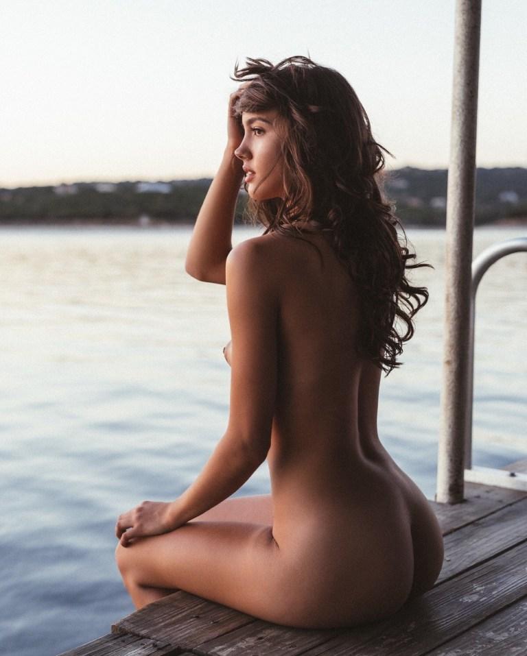 Carleen Laronn  nackt