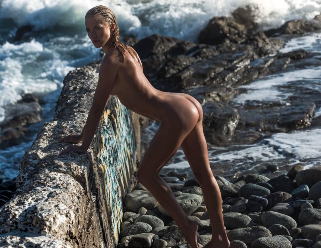 Jessica LaRusso  nackt