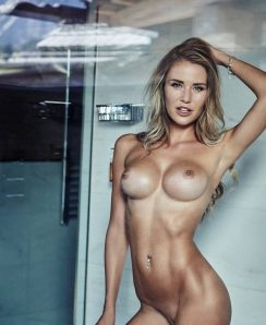 Julia Prokopy nude
