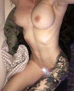 Roselyn Mae nude