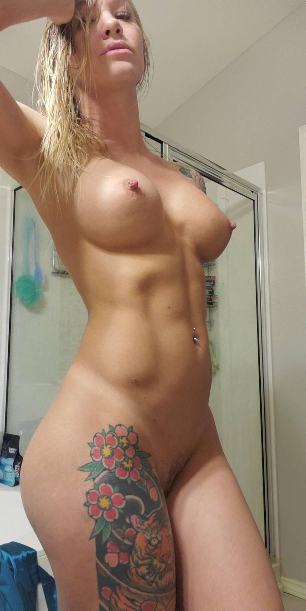 Skylar Naked