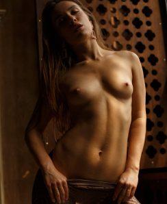 Polina Azarova nude