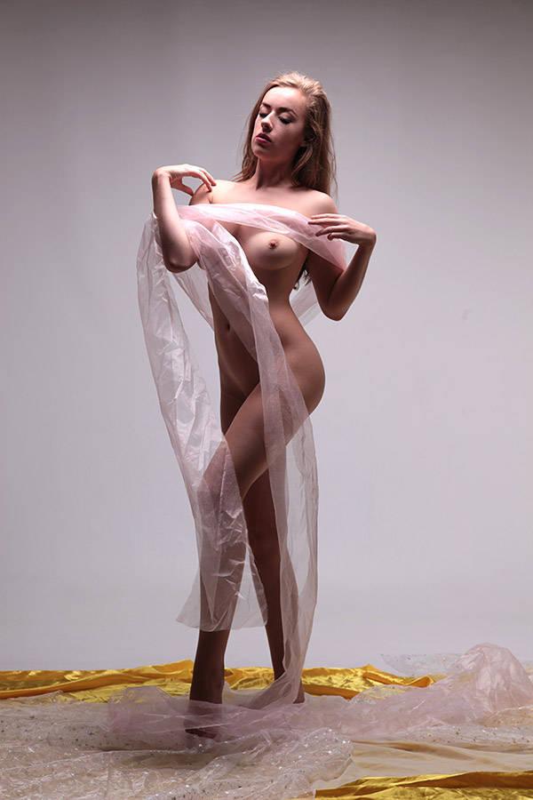 https://fitnakedgirls.com/wp-content/uploads/2020/03/FitNakedGirls.com-Rosa-Brighid-nude-3.jpg