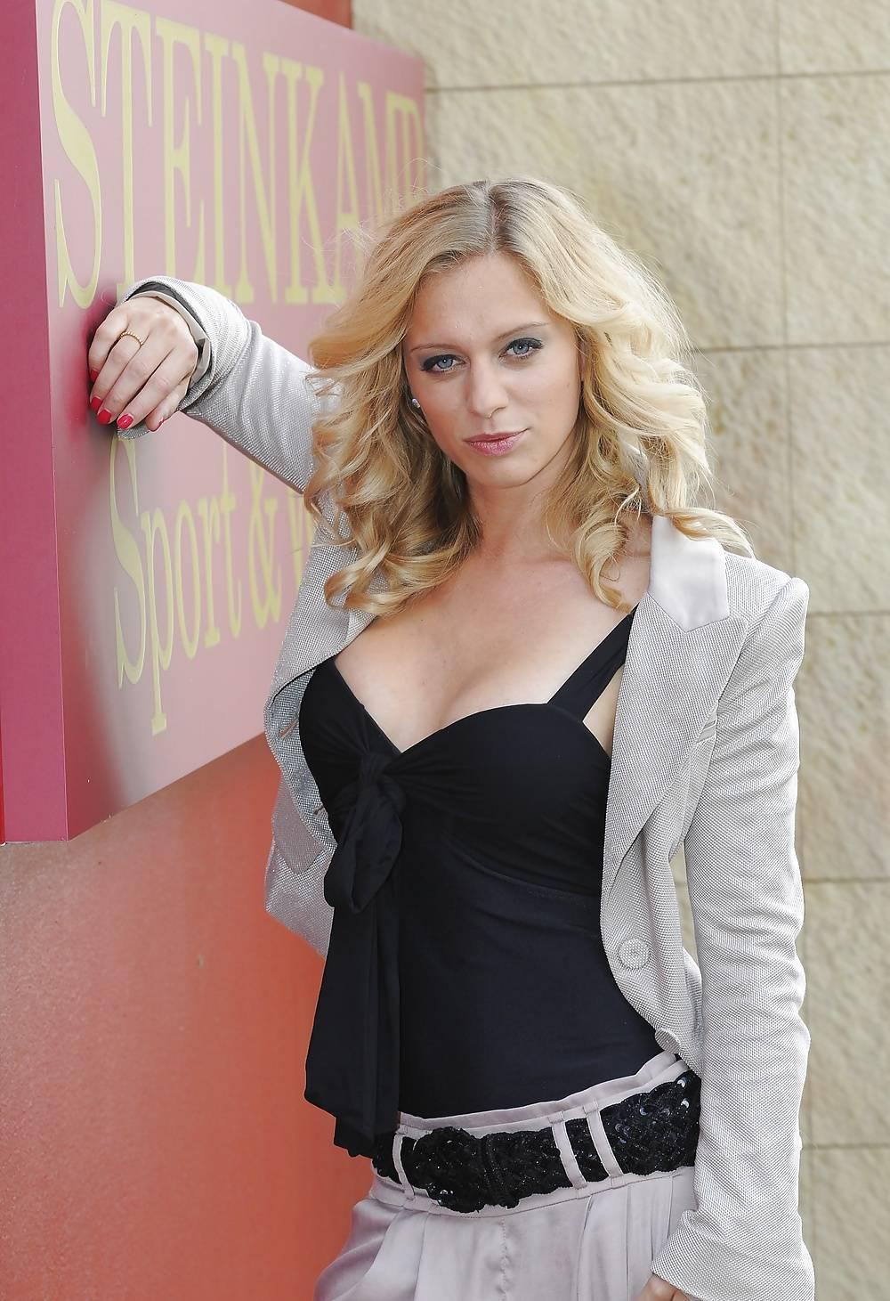 Juliette Menke nude | FitNakedGirls.com