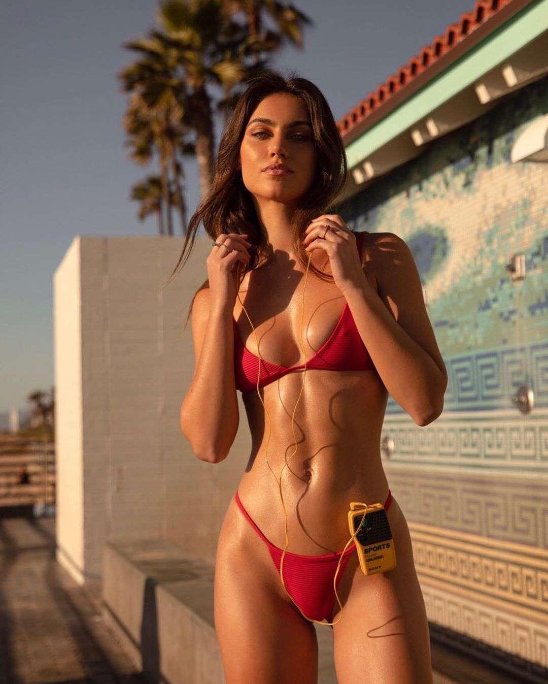 Steph Rayner nude & sexy