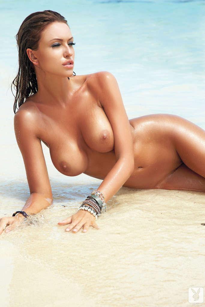 Nackt monika 41 Sexiest