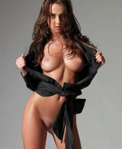 Jula Asmar nude